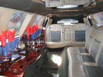 limousine 99 interior 1